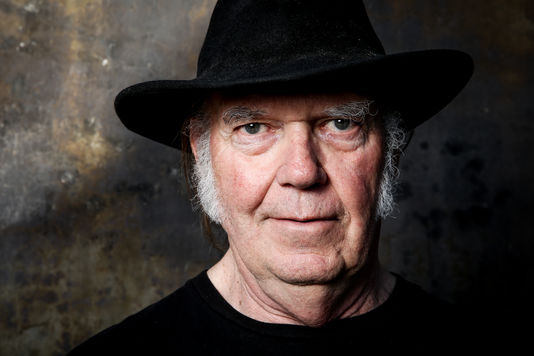 Neil-Young_2016